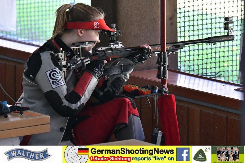 Larissa Weindorf Kniend auf der DSB Sichtung 2020